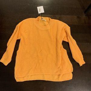 Sweaters - Oversized yellow sweater
